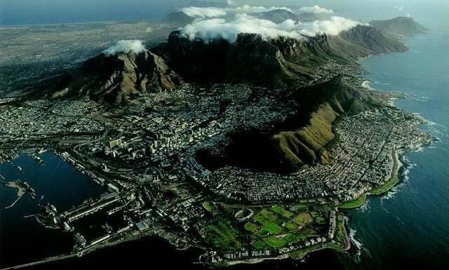 La montagne de la Table en Afrique du Sud dans les 7 Merveilles naturelles du monde